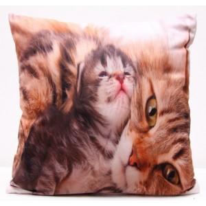 Povlaky na polštáře hnědé barvy s kočkou a malým kotětem