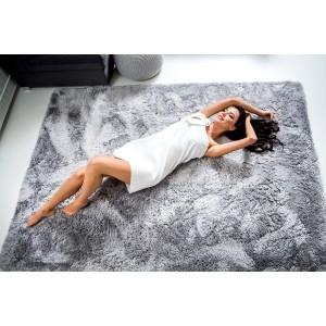 Moderní plyšový koberec světle šedé barvy