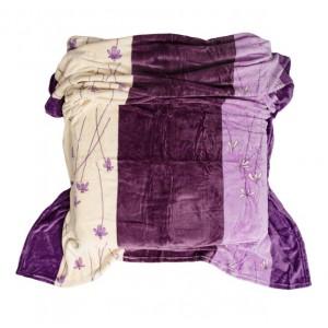 Fialovo krémová deka s pruhy a jemnými květinami