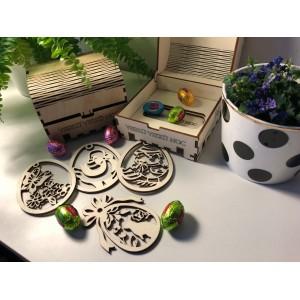 Velikonoční dekorace dřevěných vajíček