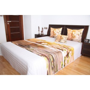 Přehoz na postel bílé barvy s motivem hnědých květů