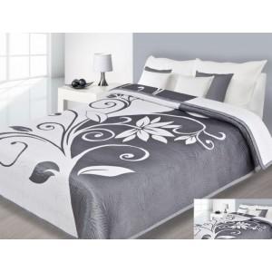 Přehoz na postel bílé barvy s šedými vzory