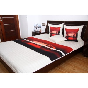 Krémový dětský přehoz na postel s červeným potiskem auta