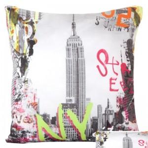 Povlak na polštář šedý s Empire state building v NY s barevnými nápisy