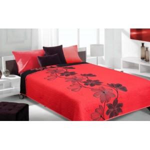 Moderní a luxusní oboustranný přehoz na postel červený s černými květy