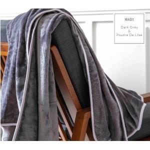 Tmavošedé francouzské hřejivé deky se světle šedým lemováním
