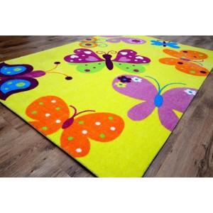 Hrací koberce žluté barvy s motýlky