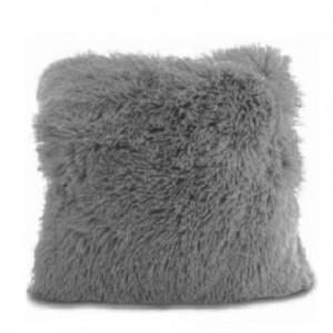 Chlupaté povlaky na polštáře v šedé barvě