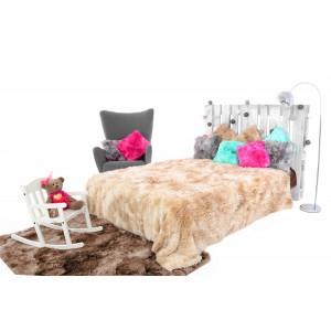 Moderní chlupatá deka béžové barvy