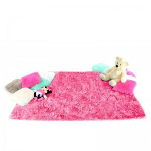 Dětský růžový koberec plyšový