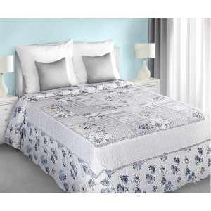 Bílo modré přehozy na postel patchwork s květovým vzorem