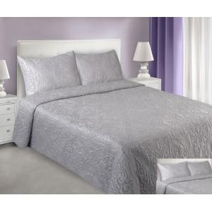 Stříbrné přehozy na postel s prošívaným motivem