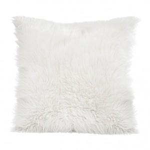 Bílé chlupaté povlaky na polštáře