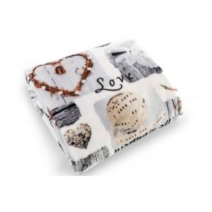 Béžová teplá deka na postel LOVE