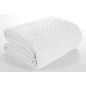 Bílá teplá deka do obýváku