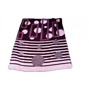 Fialová deka se vzorem
