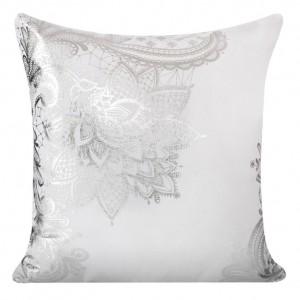 Dekorační povlaky na polštáře se stříbrným ornamentem