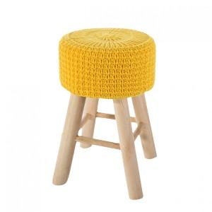 Pletená žlutá taburetka do obýváku