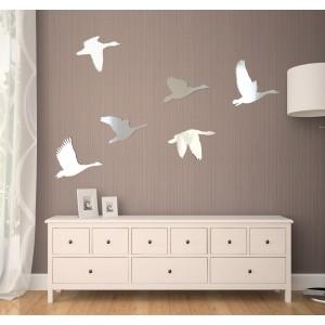 Dekorační interiérové zrcadla ve vzoru labutí