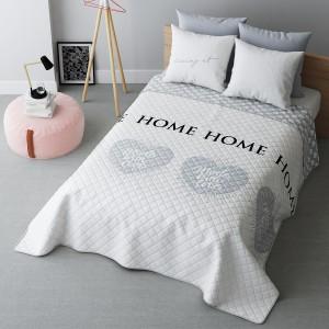 Bílý přehoz na postel se srdci