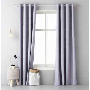 Světle fialový závěs do ložnice