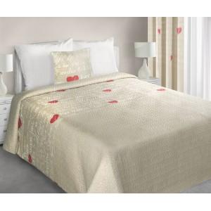 Béžový oboustranný přehoz na postel se srdíčky