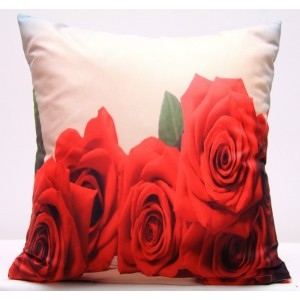 Béžový povlak na polštář s červenými růžemi