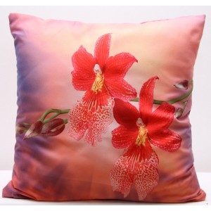 Povlak na polštáře růžovo červené barvy s motivem květů