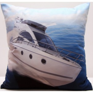 Povlak na polštář bílo modré barvy s potiskem luxusní lodi