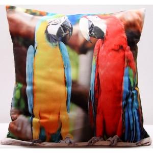 Barevné povlaky na polštář s motivem žlutého a červeného papouška