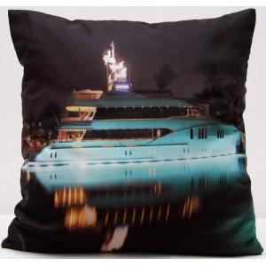 Povlak na polštáře tmavošedé barvy s potiskem lodě