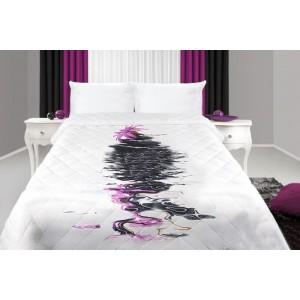 Přehoz na postel bílé barvy s motivem květu