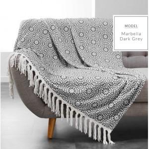 Dekorativní deky v tmavě šedé barvě s potiskem
