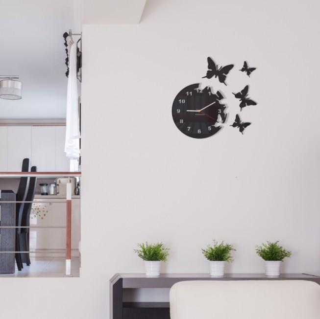Nalepovací hodiny na zeď s motivem motýlů