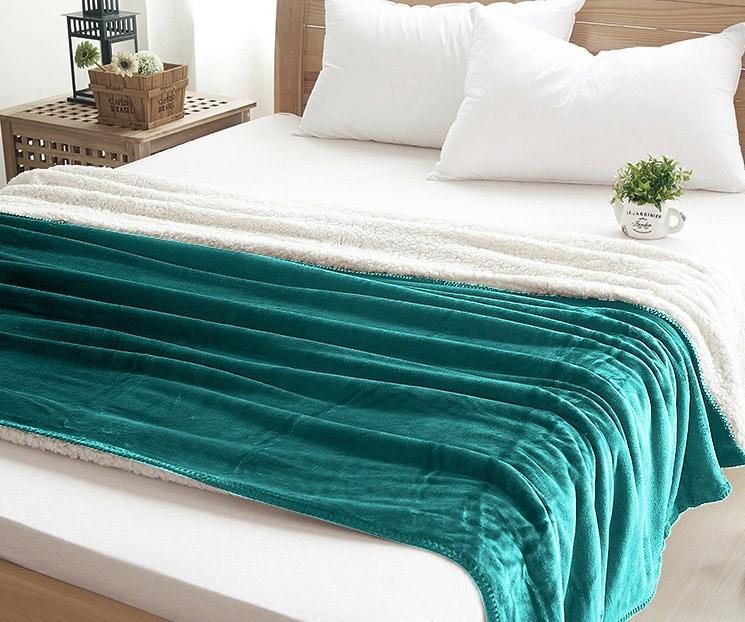 Kvalitní teplá deka zelené barvy