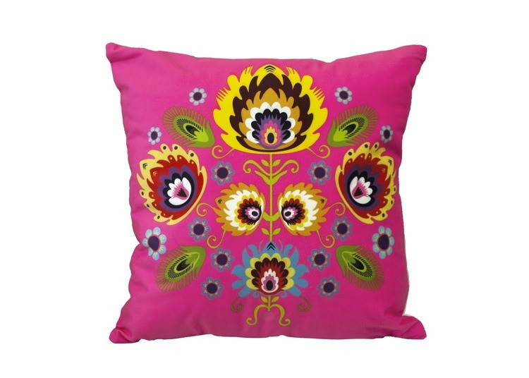 Růžový povlak na polštář s lidovým motivem