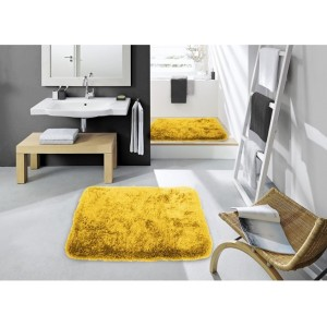 Tmavě žlutá koupelnová předložka