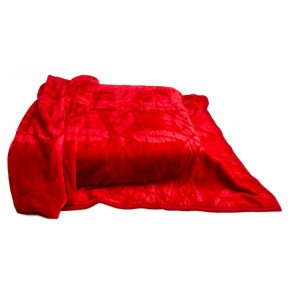 Červená deka na postel hrubá
