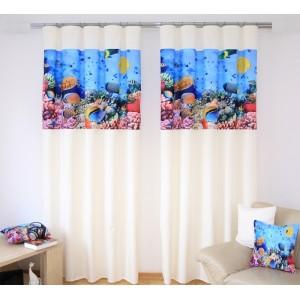 Krémový závěs na okno s modrým motivem mořského dna
