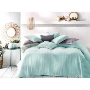 Přehozy na postel 220 x 240 cm