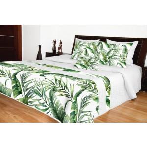 Bílý přehoz na postel se zelenými listy