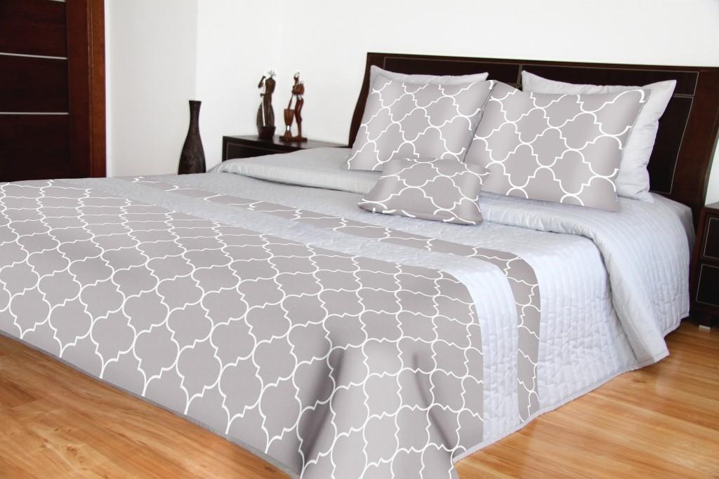 Přehozy na postel šedé barvy