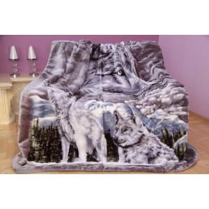 Šedá deka s motivem vlků