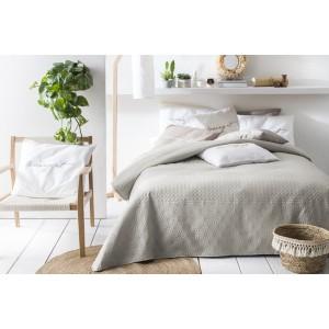 Přehoz na postel béžové barvy