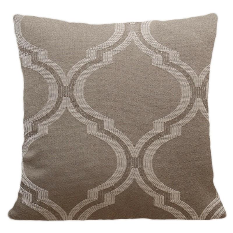 Hnědé povlaky na polštáře s moderním vzorem do obývacího pokoje