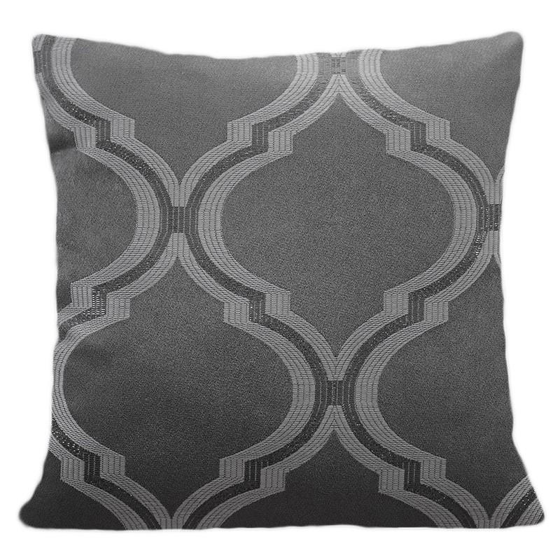 Povlak na polštář do obývacího pokoje s tmavošedé barvě se vzorem