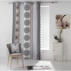 Moderní závěs do obývacího pokoje