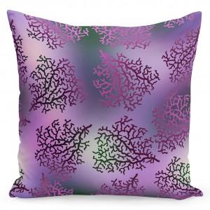 Moderní povlak ve fialové barvě na polštáře