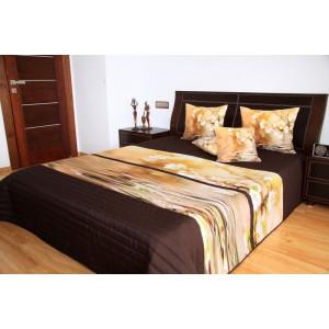 Přehoz na postel tmavě hnědé barvy s motivem hnědého květu