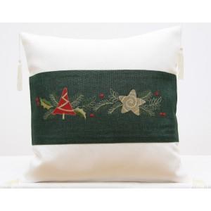 Bílý povlak na polštář se zeleným vánočním vzorem
